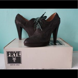 NWT Frye Harlow Oxford Charcoal Distressed Leather
